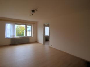 Appartement très bien situé dans une rue calme à deux pas du centre dArlon et des grands axes pour le Luxembourg, proche de toute
