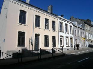 Honesty vous propose cette maison d'habitation située au cur de la ville. La maison a été rénovée .Les premi&egrave