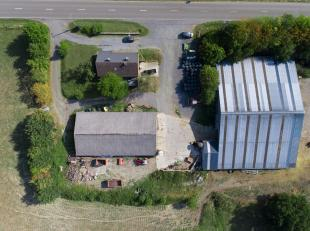 Zeer mooi eigendom in de gemeente van Tellin. Nu als bio-landbouwbedrijf gebruikt. Actieve bedrijf in het sector van melk, vlees en graanproducten.Het