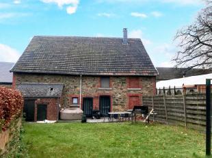Honesty vous propose cette charmante maison située au centre de Nassogne. Elle comprend : un séjour, une salle à manger avec cuis