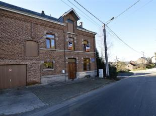 Charmante maison située dans le village de Eprave, à proximité de Rochefort, Han-sur-Lesse et des axes routiers. La maison se com