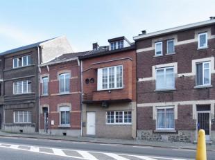 Gelijkvloers<br /> Inkomhal<br /> Ruime leefkeuken 28 m² voorzien van keramische kookplaat, oven en dampkap (aansluitingen voor vaatwasmachine aa