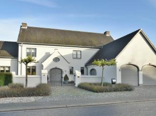 Exclusieve villa, gelegen op een prachtig perceel van 29a 67ca in de geliefde woonomgeving van Meeswijk. De villa werd in 2011 smaakvol gemoderniseerd