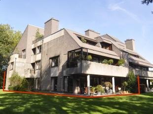 """Stijlvol villa-appartement gelegen in """"Villa Leanne"""", één van de vijf exclusieve residenties, uniek gelegen in een schitterend park """"Dom"""
