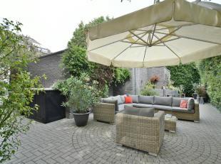 Sfeervol gelijkvloers appartement met ruim terras en aangename privatieve tuin in de onmiddellijke nabijheid van het Albertkanaal en op slechts een bo