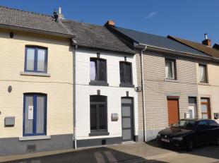 Perfecte investeringsmogelijkheid : Kleine woning met 2 slaapkamers, zonder tuin, op steenworp afstand van Maastricht gelegen in Lanaken-Smeermaas.De
