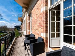 Bos/Fre. Elegant en licht appartement van +/- 140m² gelegen in een prestigieuze residentie omringd door een park. Dit appartement zal u verleiden