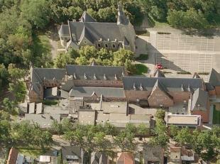 Dit gebouw is het voormalig klooster en meisjesschool van de mooie stad Genk. Momenteel wordt dit gebouw gebruikt als opleidingscentrum SYNTRA GENK me
