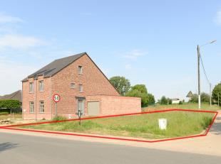 Oppervlakte: 614 m² of 6a 14ca<br /> <br /> Afmetingen: <br /> + aan de straatzijde: +/- 16 m<br /> + diepte: 47,97 m<br /> <br /> Max: <br /> +