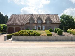 Riante, gerenoveerde villa met 4 slaapkamers en zeer gezellige tuin<br /> <br /> +++Bekijkt U de woning via een aanverwante website ga dan naar www.ma