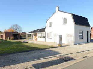 Mooie gezinswoning op een perceel van 1080 m2 te Neerpelt<br /> <br /> +++Bekijkt u deze woning via een aanverwante website, ga dan naar machon.be en