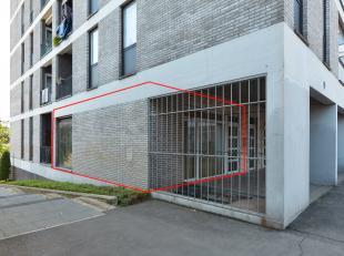 Dit instapklaar appartement vinden we terug in het hart van het centrum Lanaken! Scholen, openbaar vervoer, gezellige terrasjes en diverse winkels bev