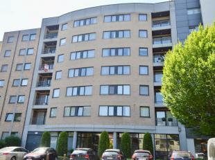 LUXUEUS APPARTEMENT IN CENTRUM GENK - Onmiddellijk beschikbaar<br /> <br /> Dit unieke appartement ligt op een boogscheut van het bruisende centrum va