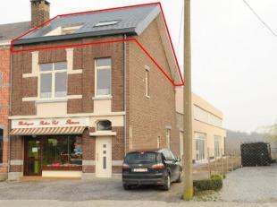 GERENOVEERDE EENKAMERSTUDIO MET BADKAMER EN TERRAS<br /> <br /> Bewoonbare oppervlakte :  60 m²<br /> <br /> Indeling: Inkomhal, leefruimte