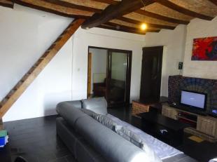 ASQUILLIES : Bonne maison comprenant 2 pièces en bas, grand jardin, étage avec belle charpente, 2 chambres, salle de bains, à raf