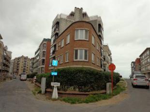 Prix indicatif: 160.000euro(s)COXYDE: Bel appartement à deux pas de la mer, comprenant 2 chambres, beau living, salle de douches,wc, cuisine &e