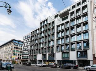 Situé sur la chaussée de Charleroi, dans une copropriété neuve a proximité du Châlelain, parking extér