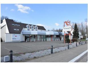 Commercieel zeer goed gelegen handelspand, <br /> gelegen langs de N78 in Rekem, tussen Maasmechelen en Lanaken <br /> <br /> Ruim handelspand van 709