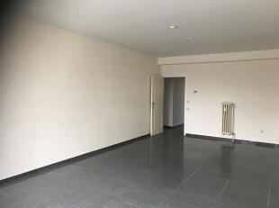 Centraal gelegen gelijkvloers 1 slaapkamer appartement te Sint Truiden - Engelmanshoven.<br /> Goede verbindingen naar o.a. Hasselt - Tongeren, alle l