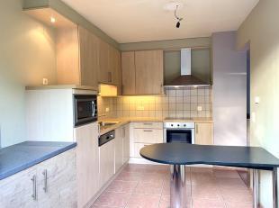 Mooi gelijkvloers appartement met zeer ruim terras in het centrum van Genk.Het appartement, dat deel uitmaakt van residentie Albert is gelegen aan de