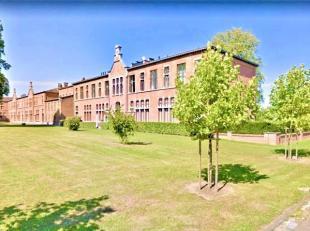 Appartement op een unieke locatie te Oud-rekem!<br /> <br /> Dit charmante appartement is gelegen in residentie Van Radek.<br /> <br />  <br /> <br />
