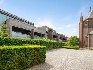 Dit prachtige luxe-appartement is gelegen in Residentie Park Oud-rekem. Weliswaar genoemd naar het mooiste dorp van Vlaanderen.<br /> <br /> Zo kan u