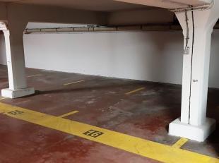 """Meer info telefonisch op 0487/410.892 of via Hello@casteelsvastgoed.be Afgesloten auto staanplaats in een ondergrondse parking bij de residentie """" Sup"""