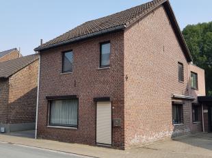 Op te knappen woning met 3 slaapkamers, rustig gelegen in Maasmechelen-Leut, op wandelafstand van het openbaar vervoer, winkels en scholen.<br /> <br