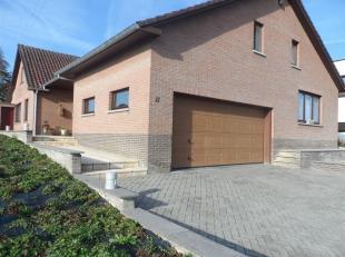 Met veel trots stellen wij deze riante villa met een bewoonbare oppervlakte van maar liefst 610 m² aan u voor op een perceel van bijna 14are. <br