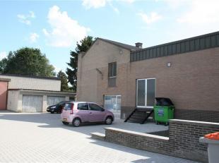 Opslagruimte te huur van 379 M² in Lanaken. <br /> En ruime opslagplaats gelegen op de Kiezelweg.<br /> De site is toegankelijk via de achterkant