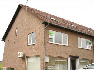 Te huur, Duplex appartement met 2 slaapkamers in Dilsen.<br /> Het appartement is gelegen op de 1ste verdieping en is bereikbaar via de trap.<br /> Bi