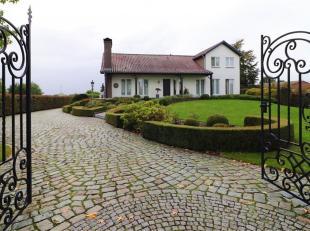 We verwelkomen u graag in dit landhuis, gelegen in een groene en residentiële woonomgeving van de gemeente Maasmechelen en op slechts enkele minu