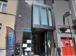 Winkel te huur gelegen in DE winkelstraat van Wilrijk.De winkelruimte is 138,5 m² groot met achteraan een Atelier/stockage ruimte van 62m².D