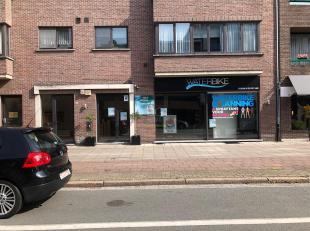 Het betreft de voormalige vestiging van 'Waterbike' (140m²) gelegen op de Bredabaan in Brasschaat naast Scapa.Dit handelspand beschikt over een e
