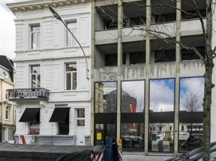 Commercieel handelspand gelegen op TOPlocatie.Dit plein is gelegen tussen het beste stuk van de Nationalestraat en de Kammenstraat.Deze eigendom leent