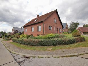 Spacieuse villa 4 façades dans un état impeccable à Leefdaal. Situation très calme dans un cul de sac sur une parcelle de