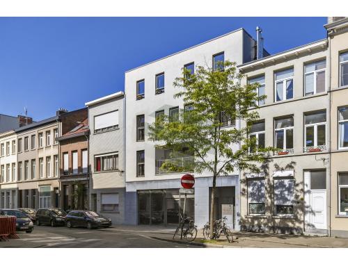 Handelsgelijkvloers te koop in Antwerpen, € 930.000