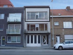 Ruim en vernieuwd appartement met 1 slaapkamer, gelegen op de 2de verdieping.<br /> Geen lift aanwezig.<br /> Op wandelafstand van winkels.<br /> TWEE