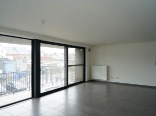 Recent appartement op 1e verdieping met 2 slaapkamers en terras. Gelegen aan de Mie Merkenstraat, de rustig gelegen achterliggende straat van de Pauwe