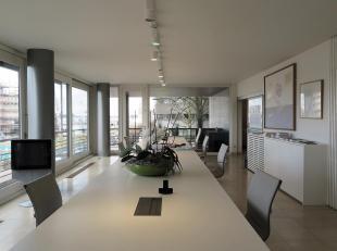 Mooi appartement welk momenteel in gebruik is als kantoor op top locatie. Prachtig zicht op de Schelde, s avonds een feeëriek zicht op het verlic