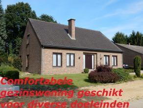 Ligging en omgeving Deze open bebouwing bevindt zich aan de grens met Genk, op enkele km van de dorpskern van As. Warenhuis en openbaar vervoer op wan