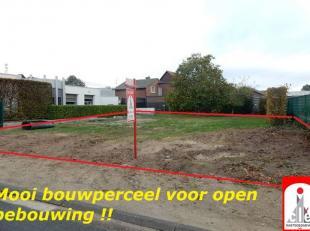 LIGGING /OMGEVING <br /> Gelegen te Bree aan de Hansweg (naast nr. 8). <br /> Stadscentrum met alle grootwarenhuizen, kleuter-, lager- en middelbaar o