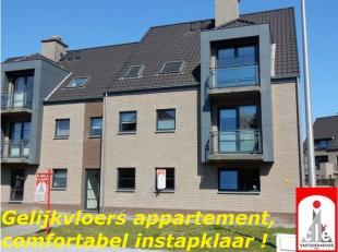 LIGGING /OMGEVING<br /> Dit gelijkvloers appartement vinden we terug aan de rand van de dorpskern van As met zijn scholen en onmiddellijke bevoorradin