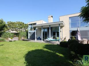 RS HOMES Immo vend ce joyau dans les Ardennes Flamandes, près du centre-ville de Grammont. Propriété située calme, constru