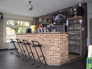 RS Homes Immo vend cette propriété commerciale avec maison très bien situé dans le centre de Beersel. Ce café, expl