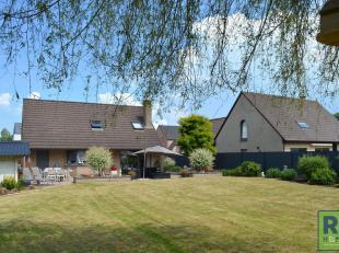 RS Homes Immo verkoopt deze prachtige villa met 3 slaapkamers te Overboelare, Geraardsbergen. Deze villa is gelegen in een rustige straat en geniet va