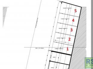 RS HOMES IMMO verkoopt 5 overdekte staanplaatsen gelegen in de nieuwbouwresidentie 'Beau' gesitueerd in de Brusselstraat te Ninove. Ideaal voor de inw