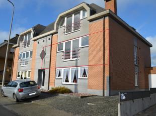 RS HOMES Immo verhuurt u dit ideaal gelegen appartement mét garage in het centrum van Moerbeke, Geraardsbergen. Op de 2de verdieping van dit ui