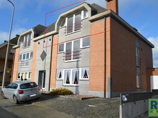RS HOMES Immo verhuurt u dit ideaal gelegen appartement mét garage in het centrum van Moerbeke, Geraardsbergen. Op de 3de verdieping van dit ui