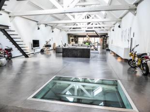 Property One vous propose un magnifique loft dans un endroit insolite tout en étant proche dans transports en commun, de la gare et de lautorou